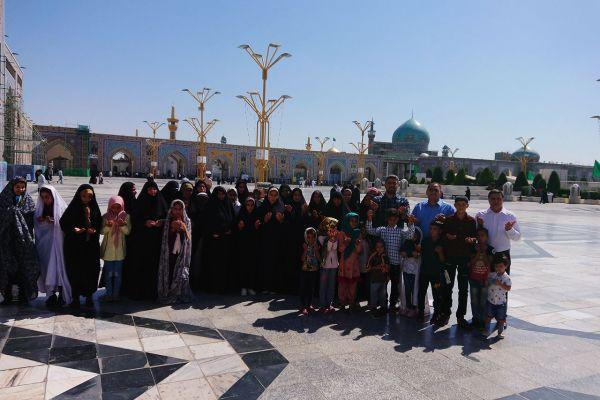در روز عید سعید غدیر به منظور به پا داشت این سنت حسنه و با کمک و حمایت خیرین گرانمایه، کاروانی از خانواده های ایتام شهرستانهای سیل زده سوسنگرد و شاوور استان خوزستان به مشهد مقدس اعزام شدند .